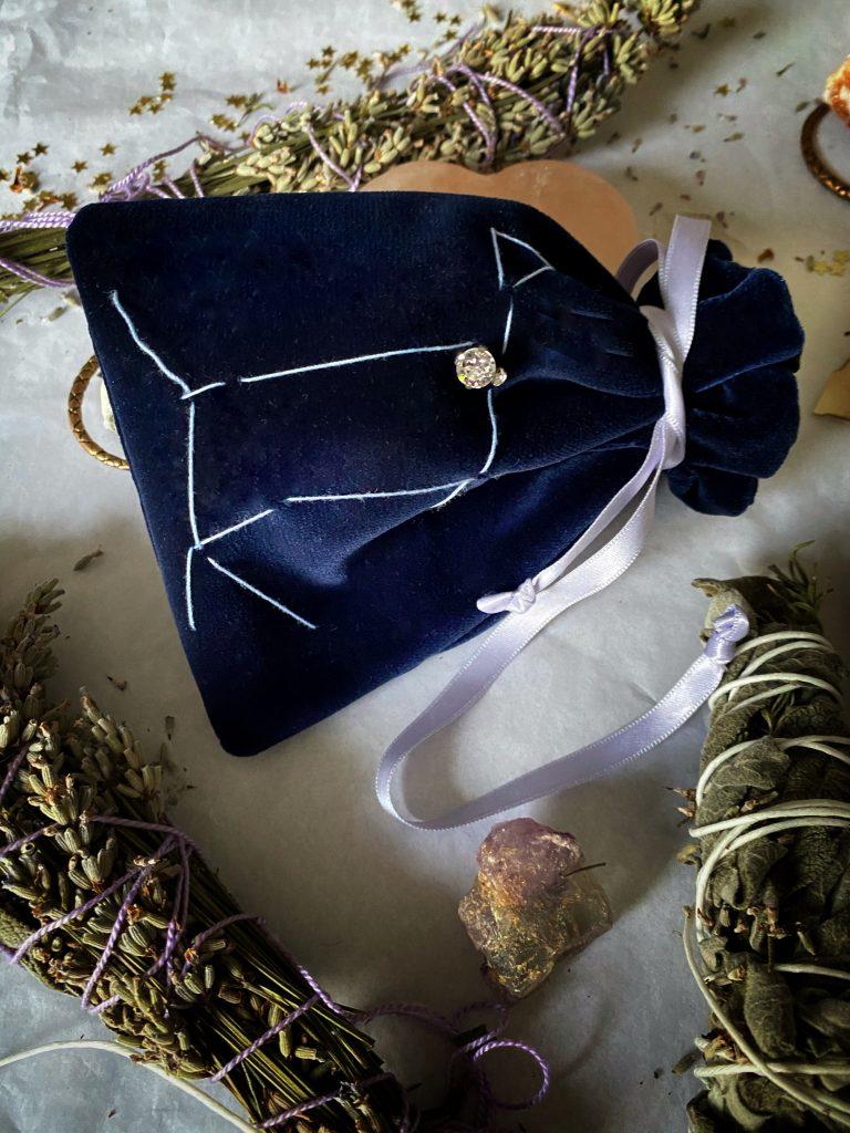 Sacchetti di Sirio-Il sole della notte, Venere Mana- Sacchetti in velluto porta tarocchi, smudge, cristalli
